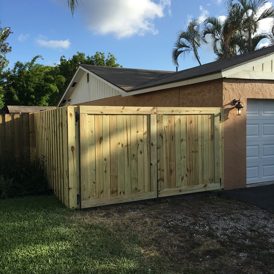 wooden gate repair contractors san diego